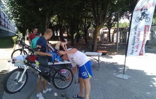 Atelier mobile d'auto-réparation Vélo-Boulot-Dodo